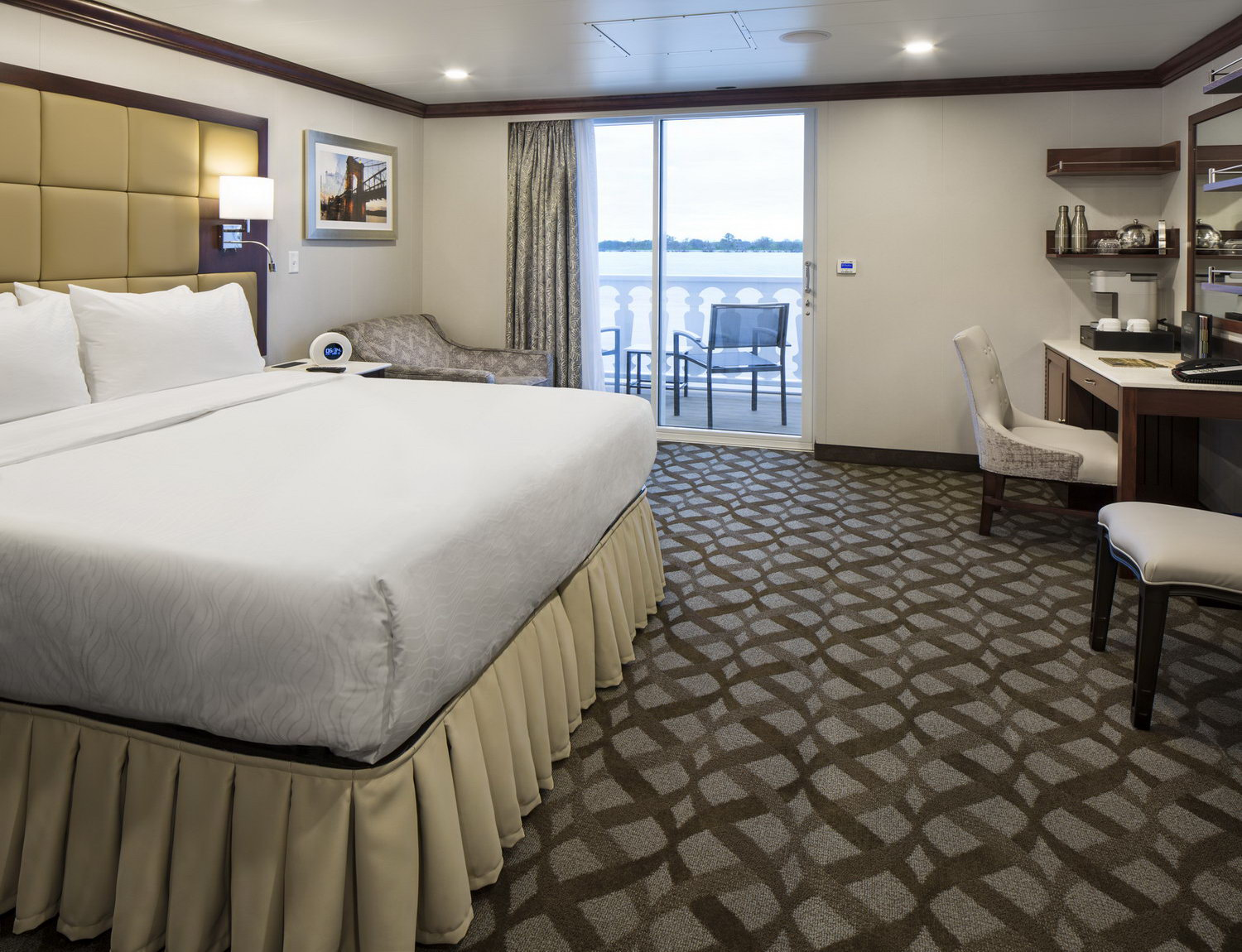 Deluxe Outside Stateroom Cat. A